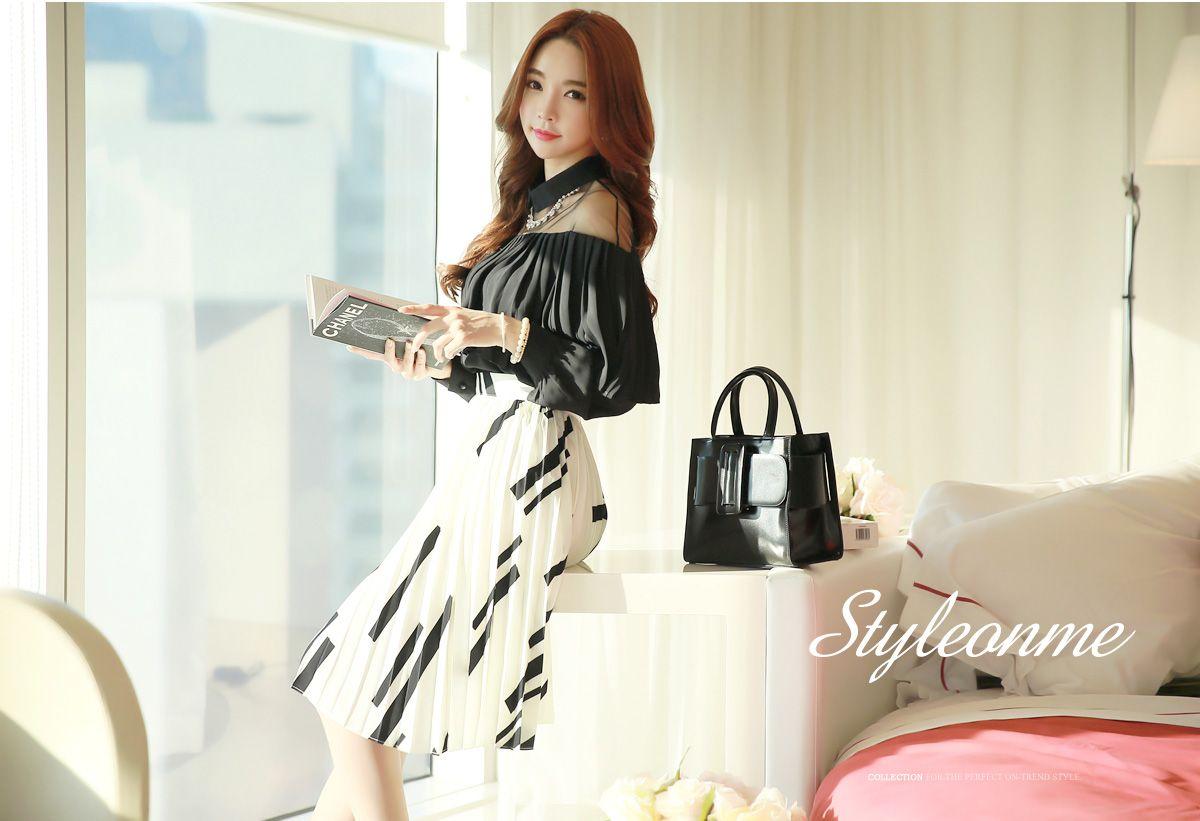 Korean womenus fashion shopping mall styleonme n black and white