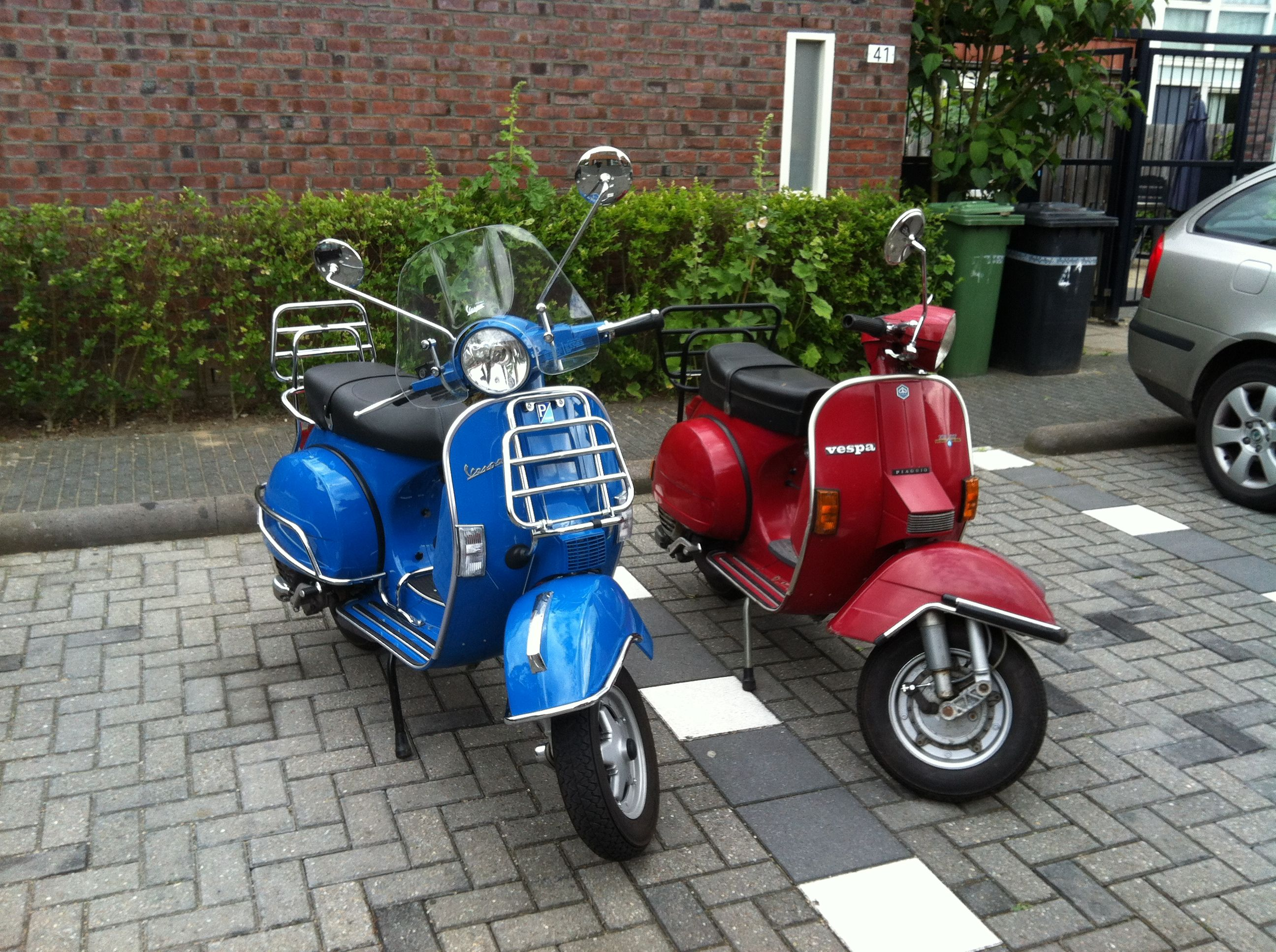 my wifes blue vespa px150 2011 and the red one vespa. Black Bedroom Furniture Sets. Home Design Ideas