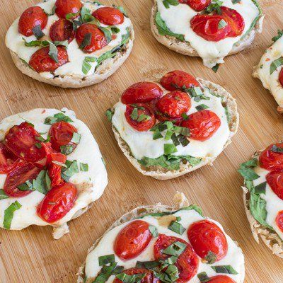 These easy, healthy mini pizzas are made on English muffins for a quick and skinny dinner or lunch everyone in the family will enjoy.