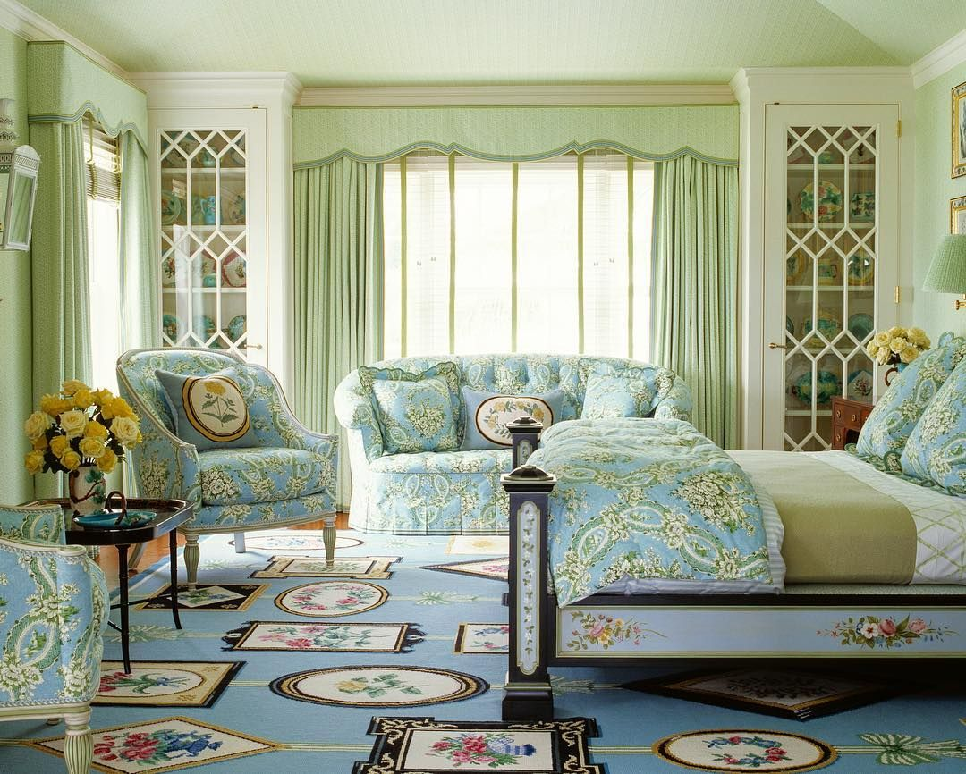 On this gloomy New York day a bedroom in sunny Florida. # ...