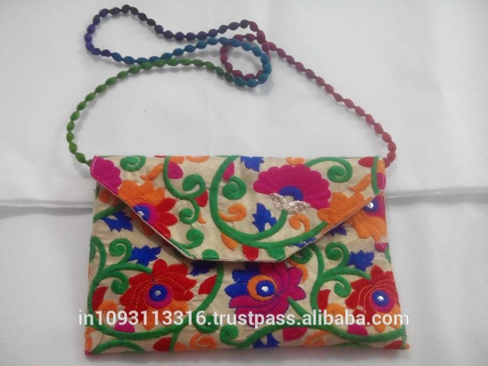 Latest-Design-Indian-gypsy-embroidery-bags-hippie.jpg (1000×750)