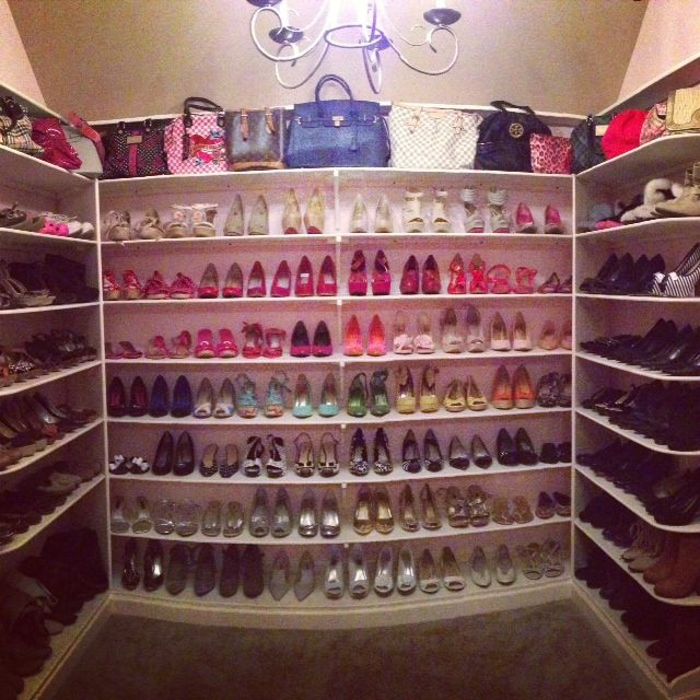 High Quality Construction Of The Barbie Dream House!: Shoe Closet!