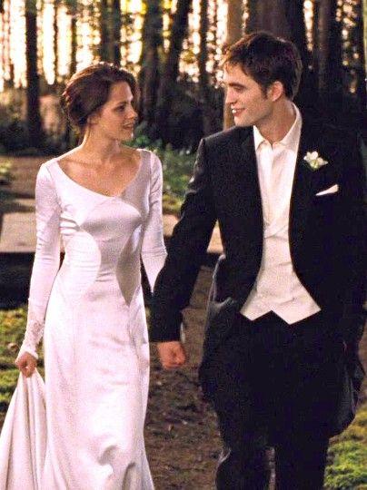 Edward And Bella In Breaking Dawn 1 Twilight Breaking Dawn The Twilight Saga Bella Und Edward Hochzeit