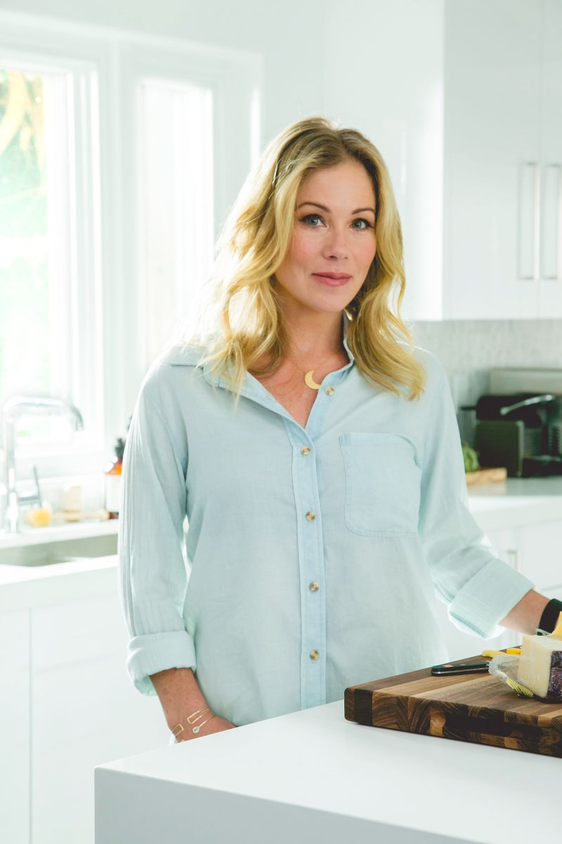 Christina Applegate Remodels Her Formerly \'God-Awful\' Kitchen — See ...