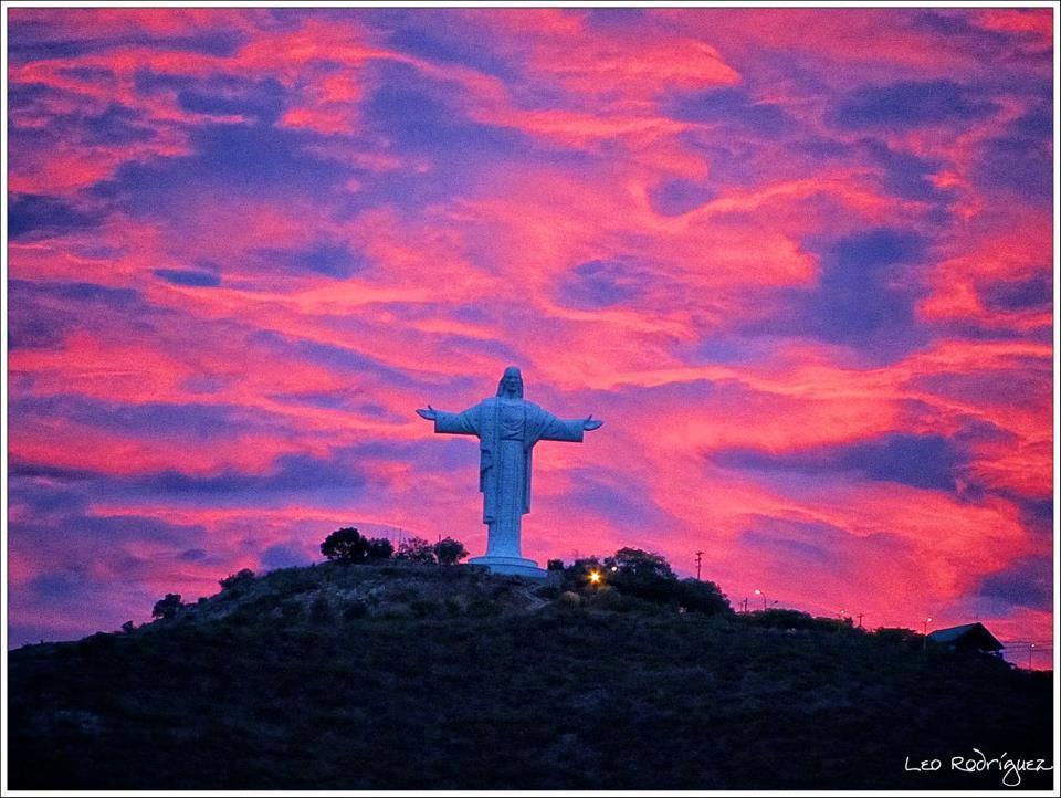 Cristo De La Concordia En Cochabamba Bolivia Beautiful Places Bolivia Travel