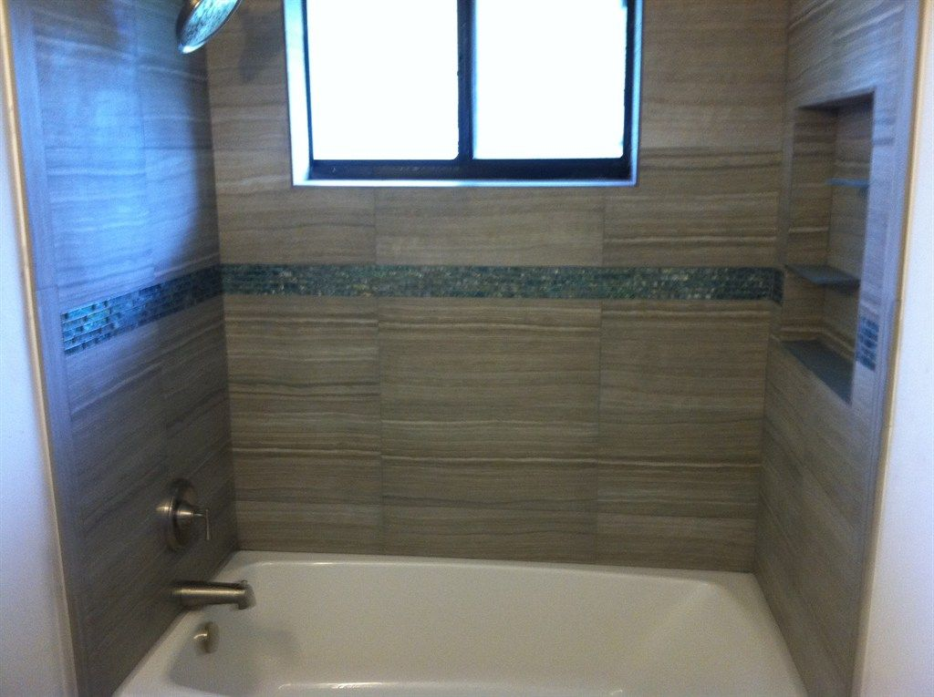 12 x 12 tile tub surround - Google Search | Bathrooms | Pinterest ...