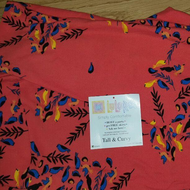 862dcc4dbd3957 Cool item: TC Lularoe Leggings - Coral Birds | Lularoe | Things to ...