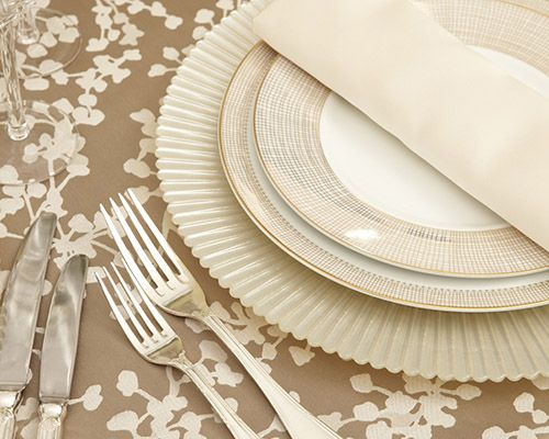 Blossom Latte Linen, Valencia Charger, Gold Lume Dinner Plate & Gold Lume Lunch Plate