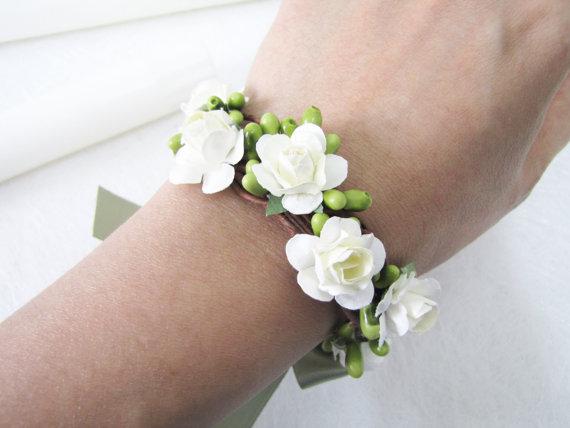 New Bridal Wrist Corsage Wedding Bracelet Flower Lace Hand Wedding Bangle