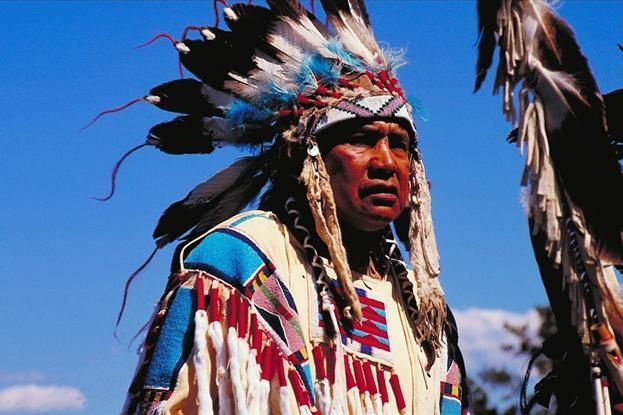 North American Indian in traditional dress | North ...
