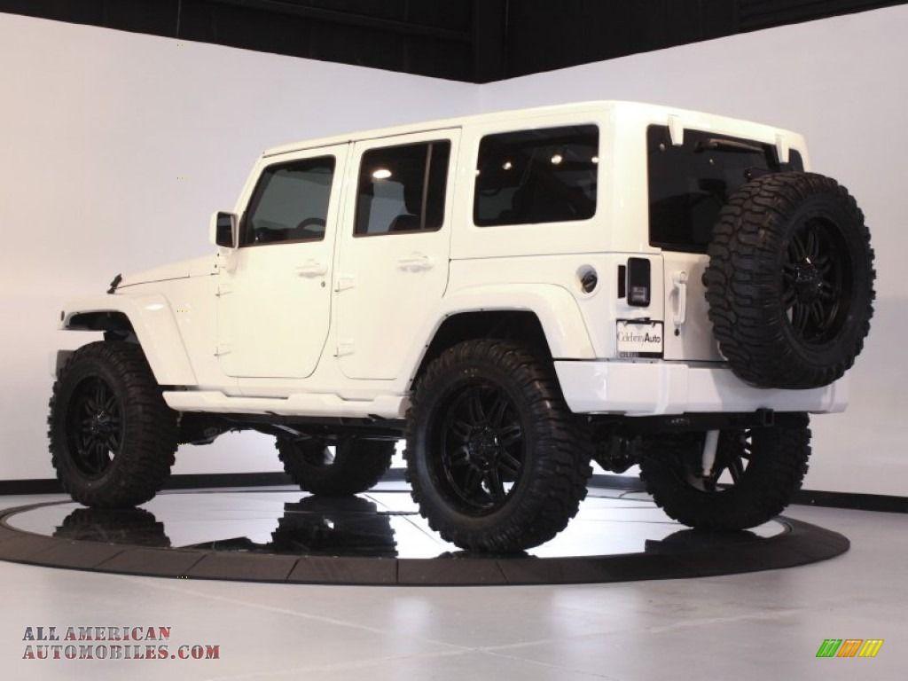 2011 Jeep Wrangler Unlimited Sahara 4x4 In Bright White Photo 5
