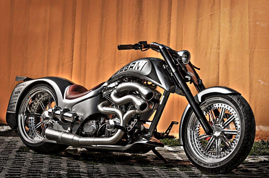 Реальный крутой байкер на мотоцикле фото ночные клубы