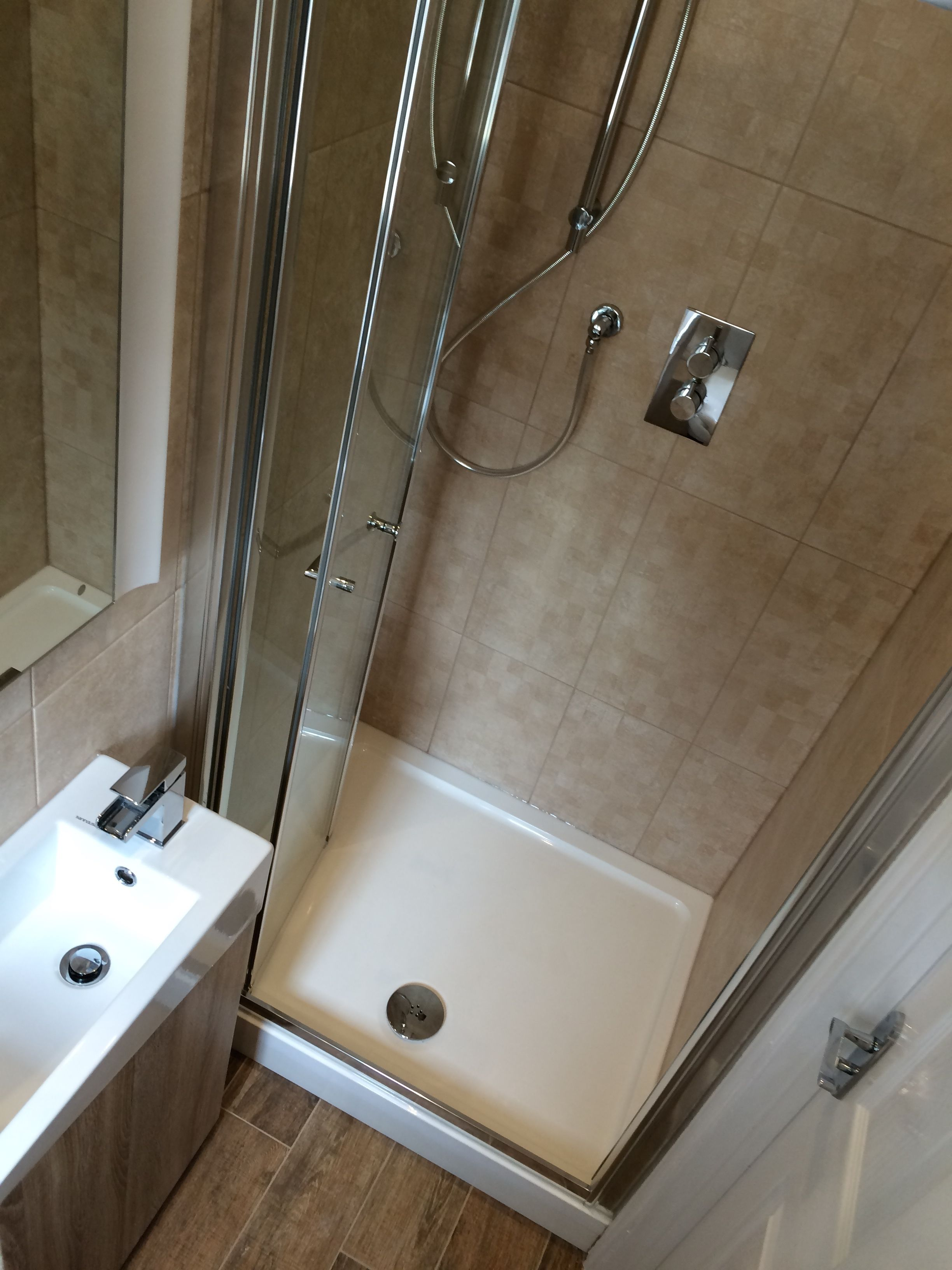 Lovely Compact Ensuite Shower Room With Compact Vanity Basin Plus