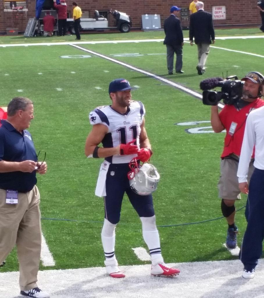 Liz On Twitter Julian Edelman New England Patriots Football New England Patriots