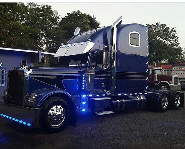 Semitrckn Big Trucks Freightliner Trucks Trucks