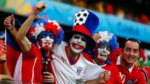 Chororô de Valdivia a emoção de Beausejour; veja as melhores fotos de Chile 3 x 1 Austrália - 1 (© Reuters)