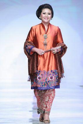 Runway Review Konsep Baru Fashion Show Tanpa Model Indonesia An