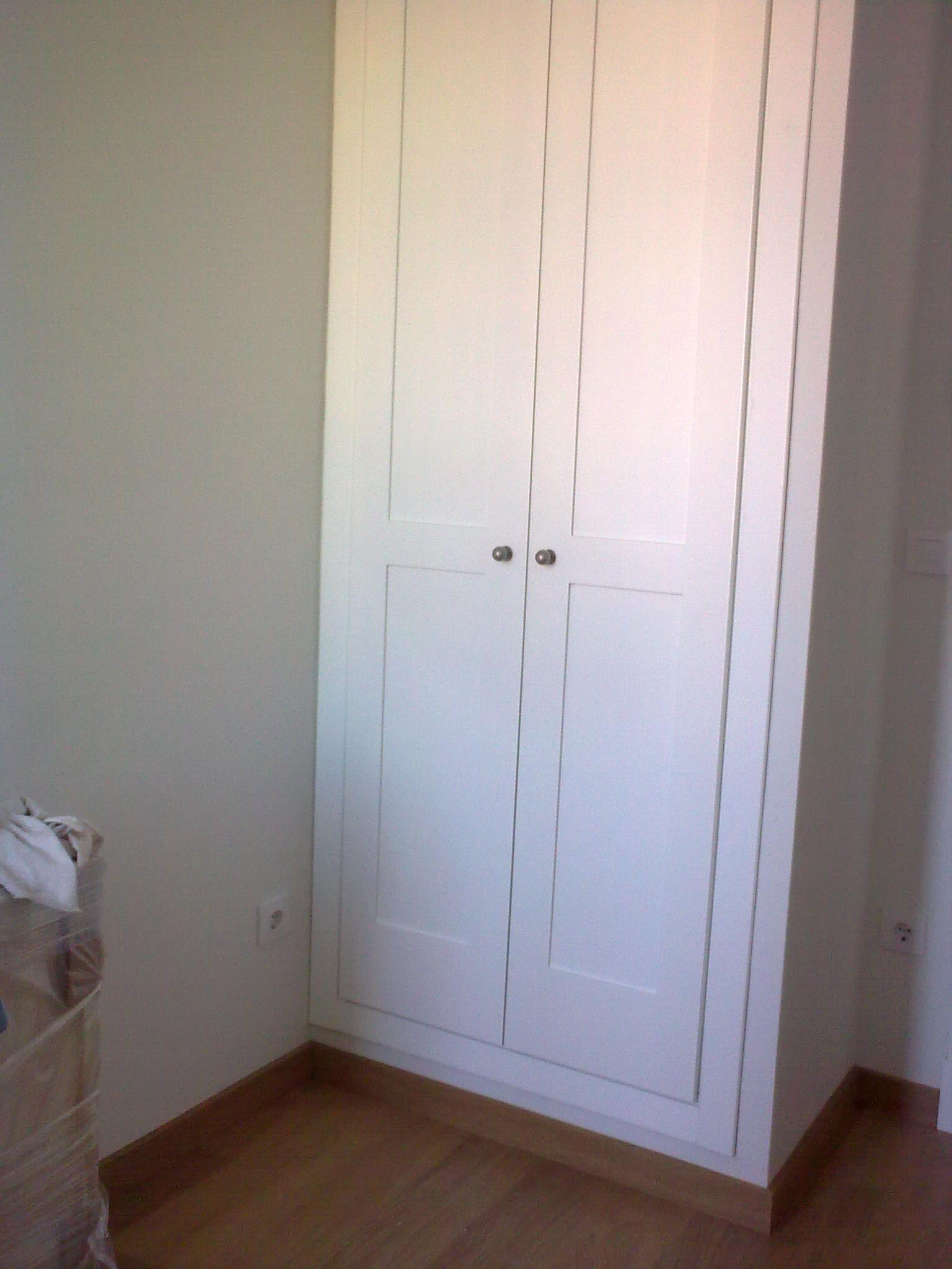 Armario de cazoleta lacado armarios de puertas - Armarios puertas abatibles ...