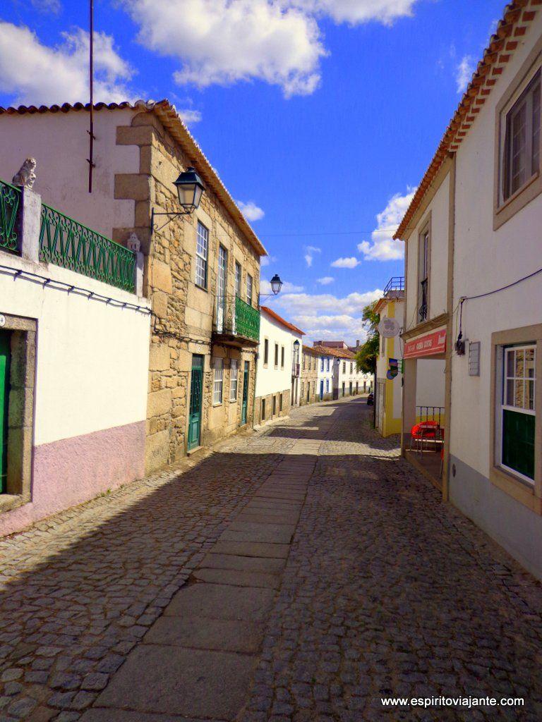 Rua em Almeida