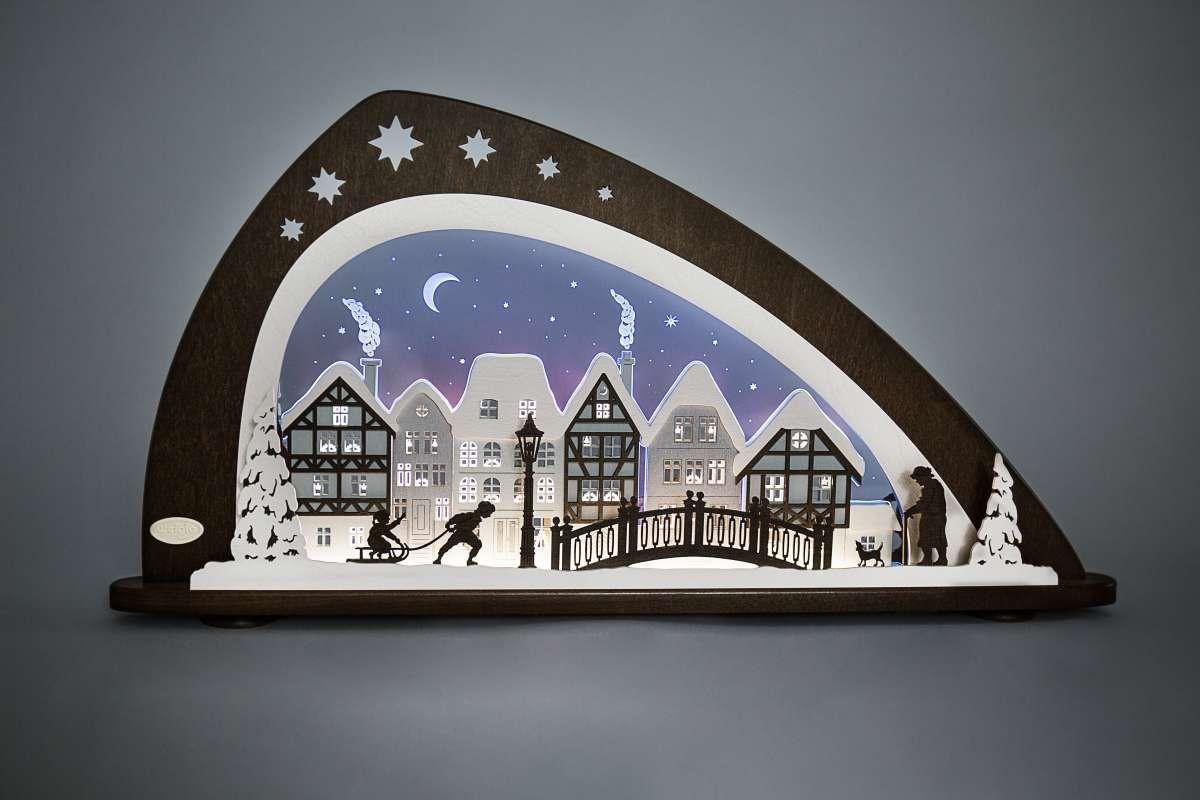 Weihnachtsdeko Fensterbeleuchtung.Led Schwibbogen Winter In Der Altstadt Moderne Led Schwibbögen Und
