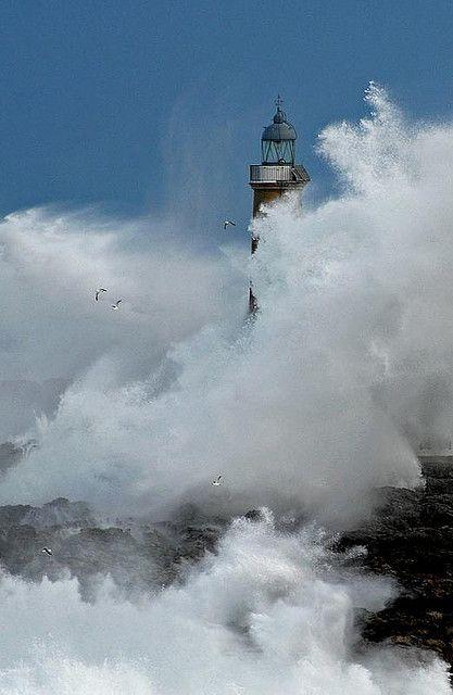 Faro de la Isla de Mouro. Santander    Cantabria   Spain