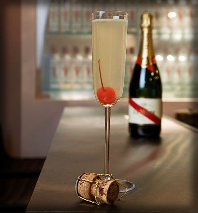 Beautiful, elegant, and classy - French 75 cocktail. #champagne #gin #lemon #cherry #sugar #cointreau #drinks #classic #cocktails