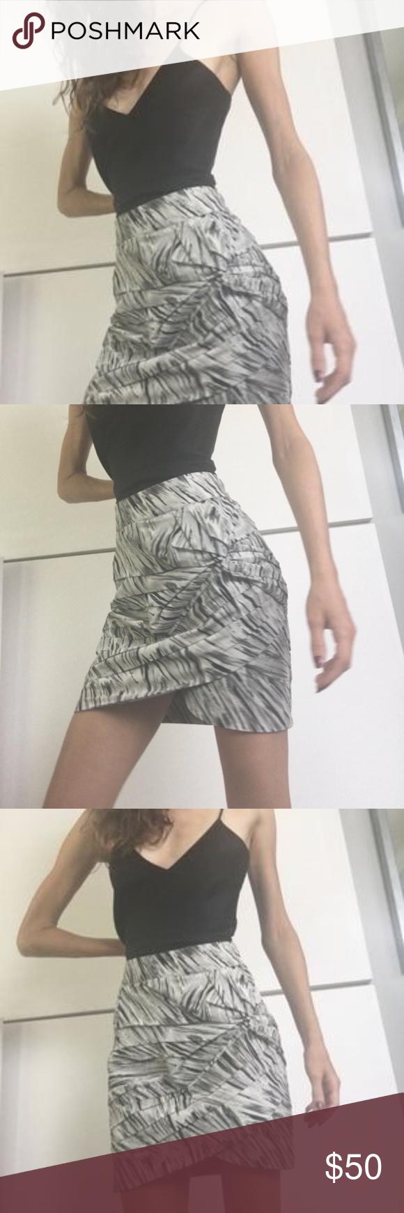 Leifsdottir Mini Skirt Size 2 Tulip style silk Tag reads size 2. Shell 55% cotto... 1