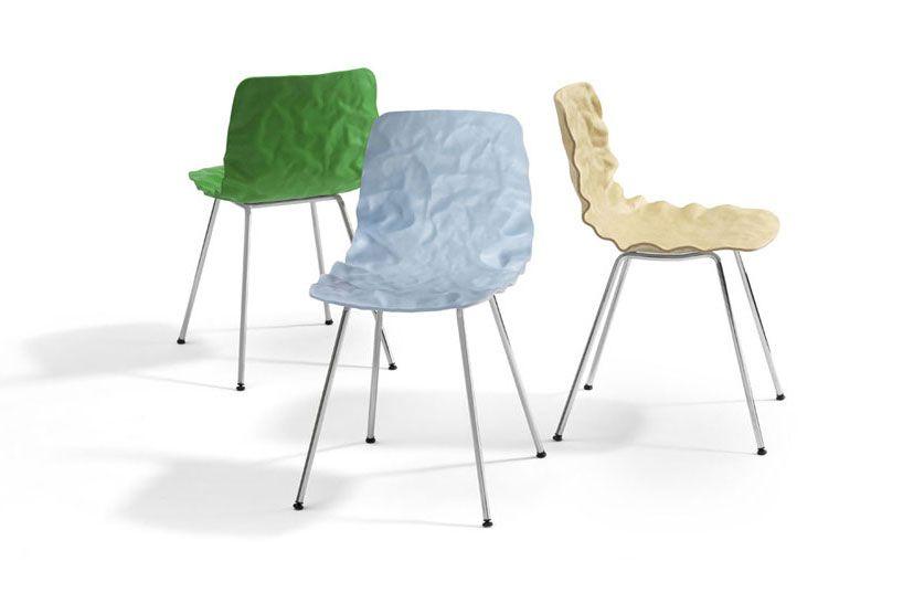 the 'Dent Chair', made of veneers of layer-glued compression-moulded ash wood : o4i DesignStudio for Blå Station