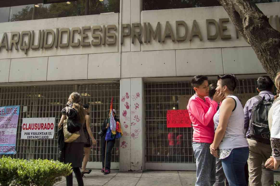 Iglesia mexicana cuestiona retiro de homosexualidad como enfermedad mental