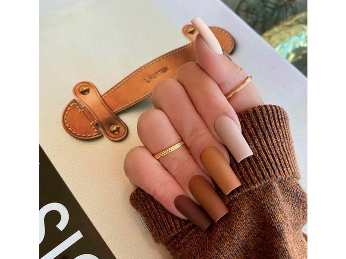 10 diseños de uñas otoñales que se ven elegantes