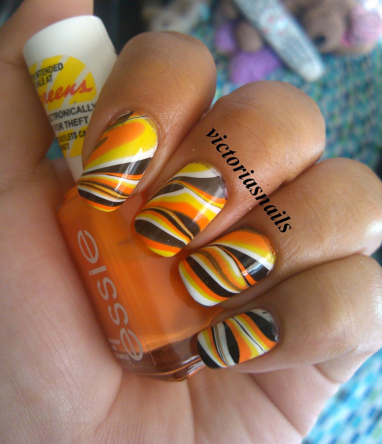 Halloween water marble! I love October :-] Colors used: Orly ...