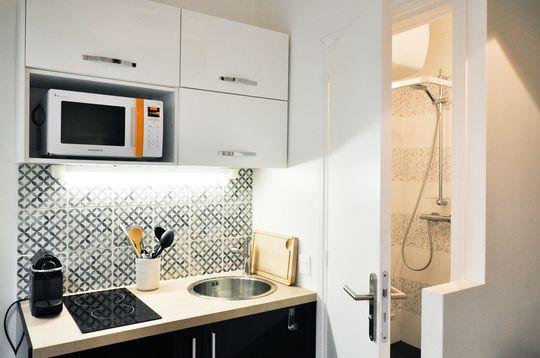 studio tudiant paris 18 un duplex de 19m2 fonctionnel et quip studio pinterest avant. Black Bedroom Furniture Sets. Home Design Ideas
