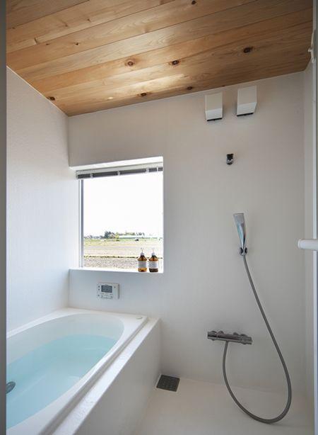 シンプルな浴室 草津のコートハウス トイレ バス事例 Suvaco