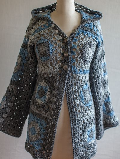 Modèle gratuit de veste en granny square https://www.anniescatalog.com/knitandcrochetnow/patterns/detail.html?pattern_id=94&series=2