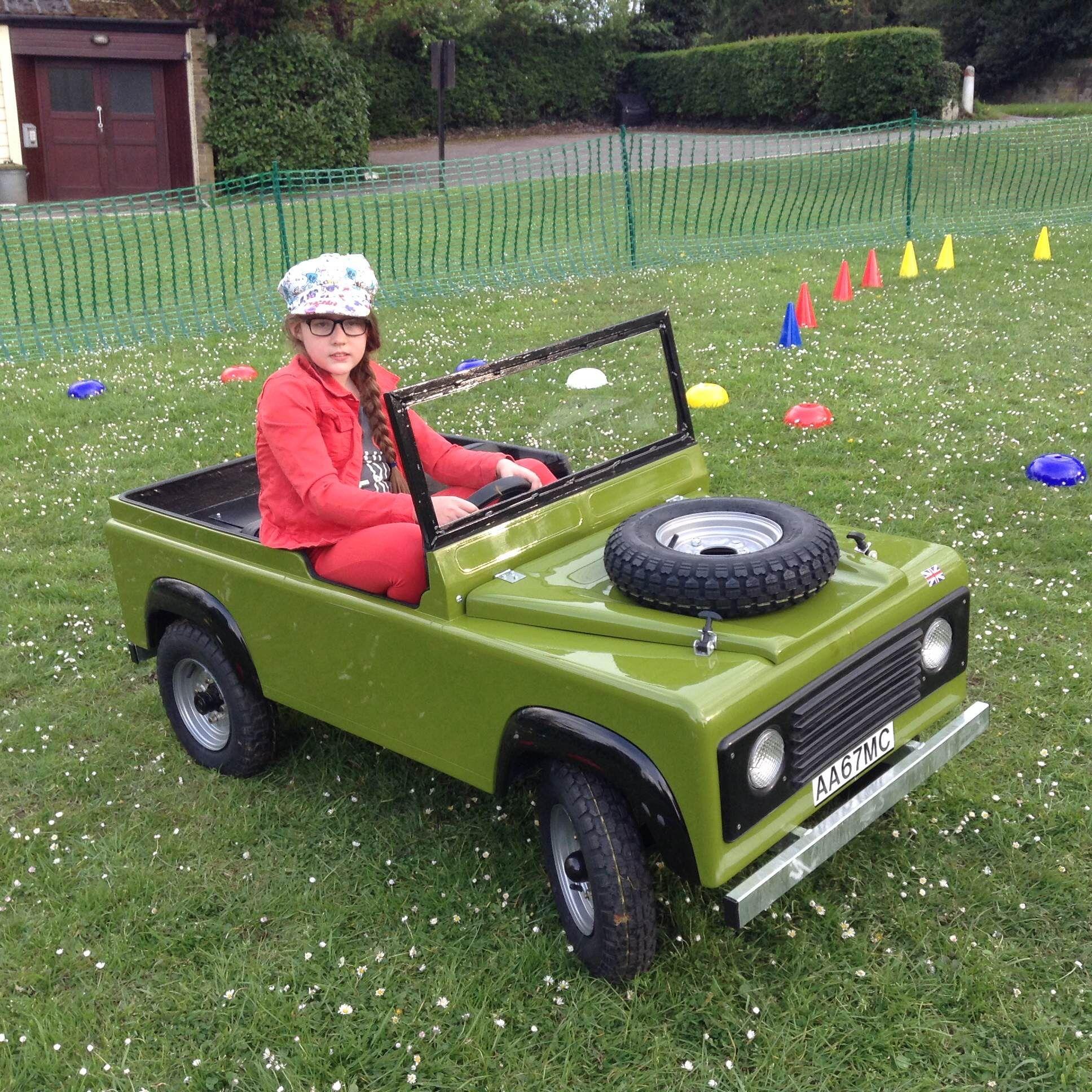 children 39 s mini electric land rover driving part. Black Bedroom Furniture Sets. Home Design Ideas