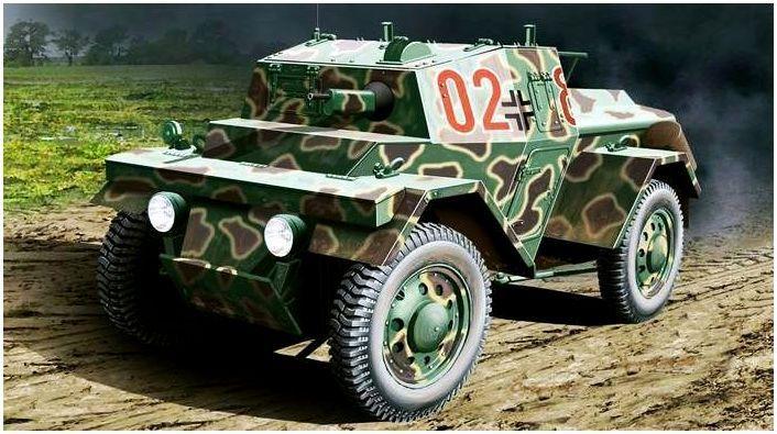 Lancia Lince Pz.Sp.Wg. 202(i) veicolo di attacco equipaggiato con fucile da 8mm.