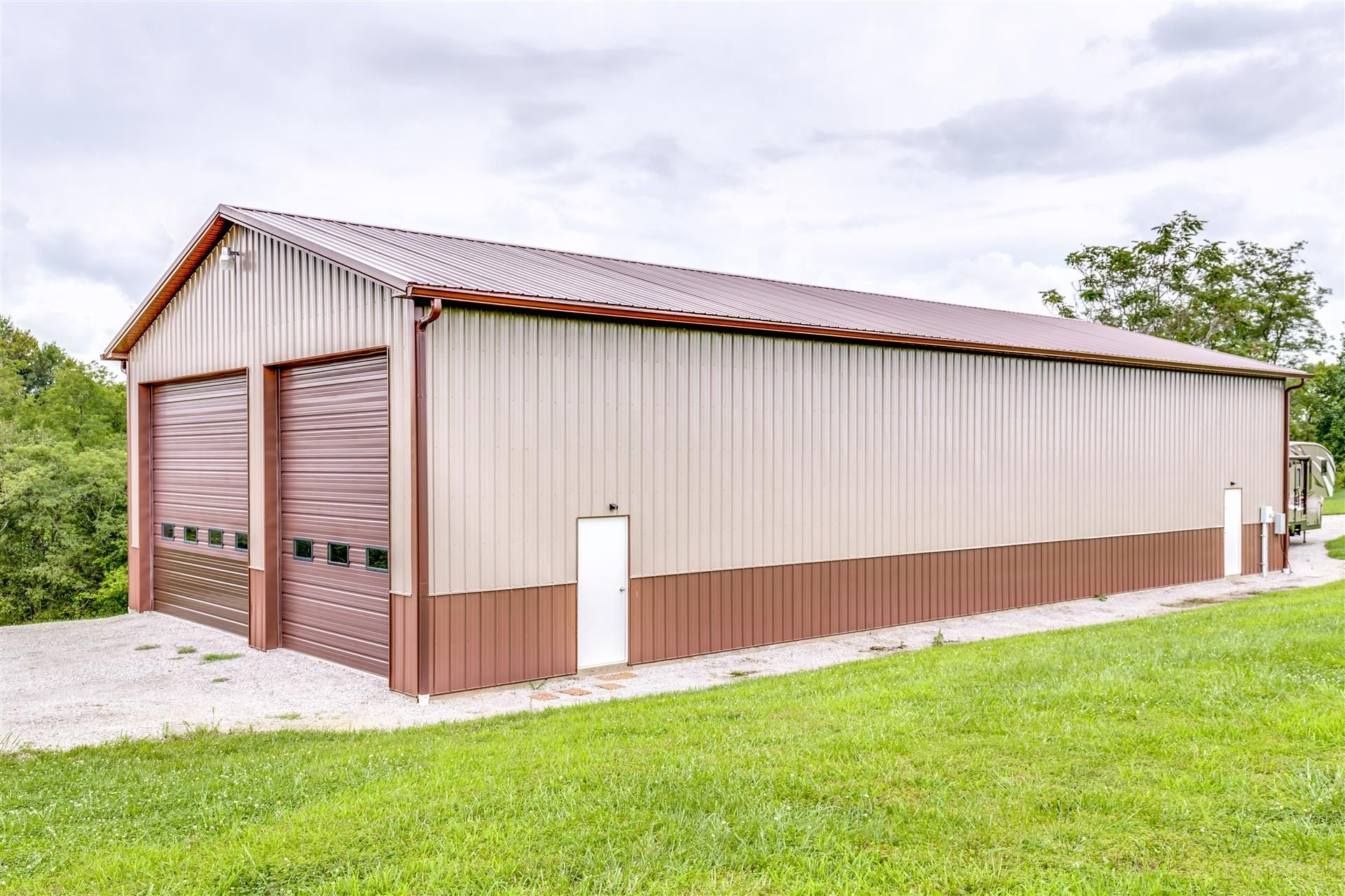 Mid Western Buildings manufacturing plete packages for pole barns