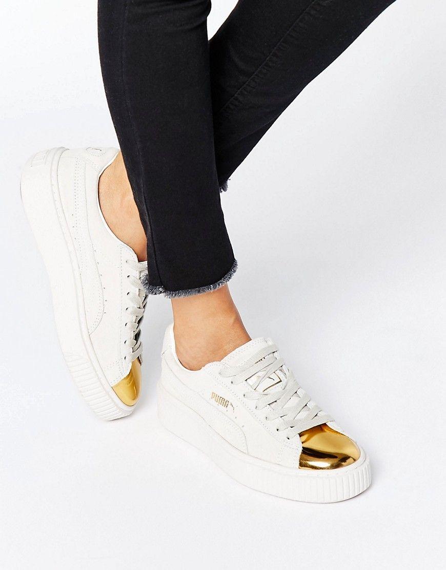 Zapatillas de deporte de ante con plataforma y puntera en blanco con dorado  de Puma. Zapatillas de deporte de Puma 4dea6e61b9f1