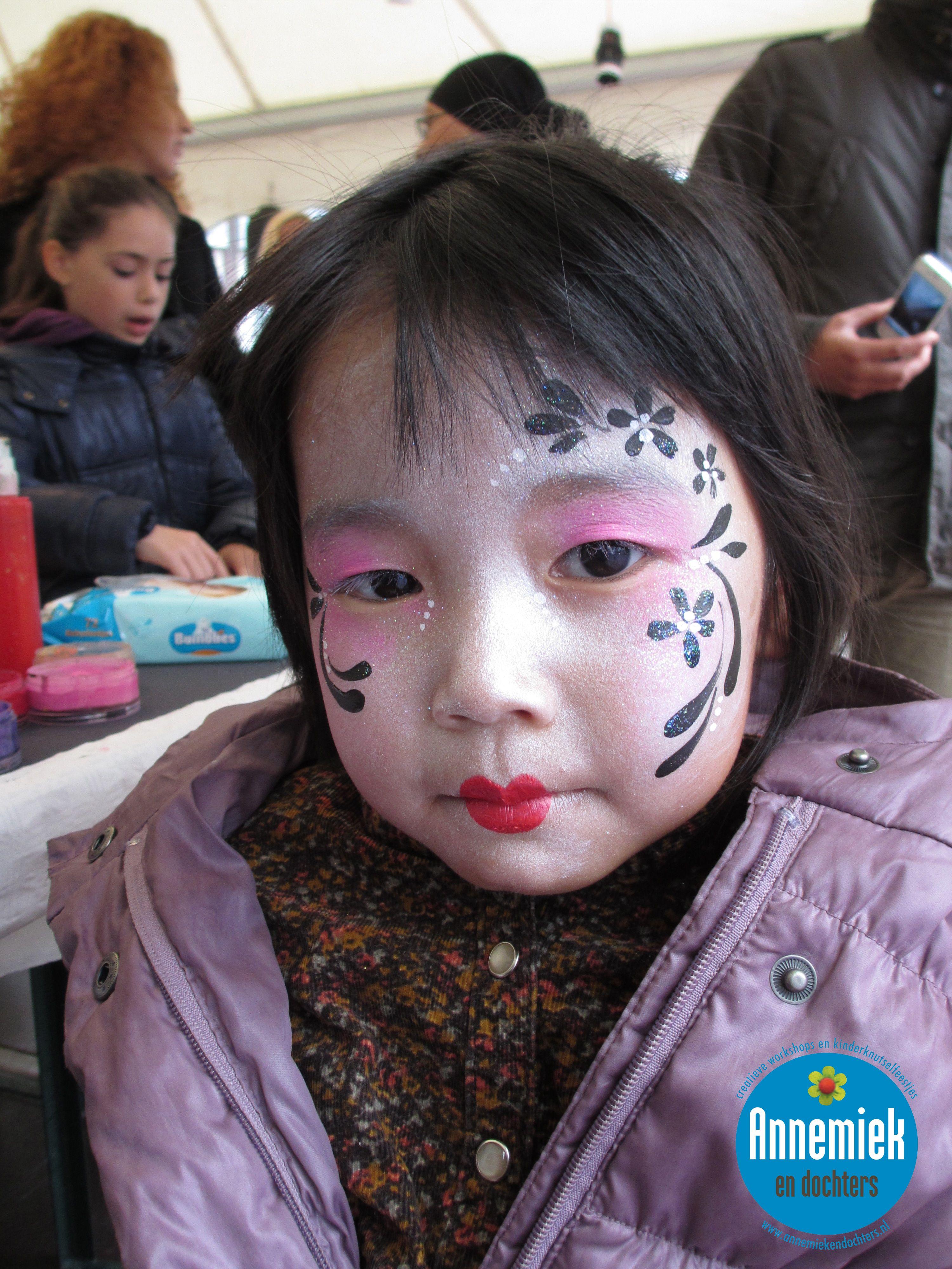 """face paint """"japanse"""" versieringen door Annemiek www.schminkenisleuk.nl"""