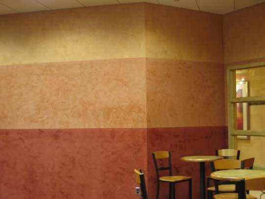 Horisontal stripes done with venetian plaster