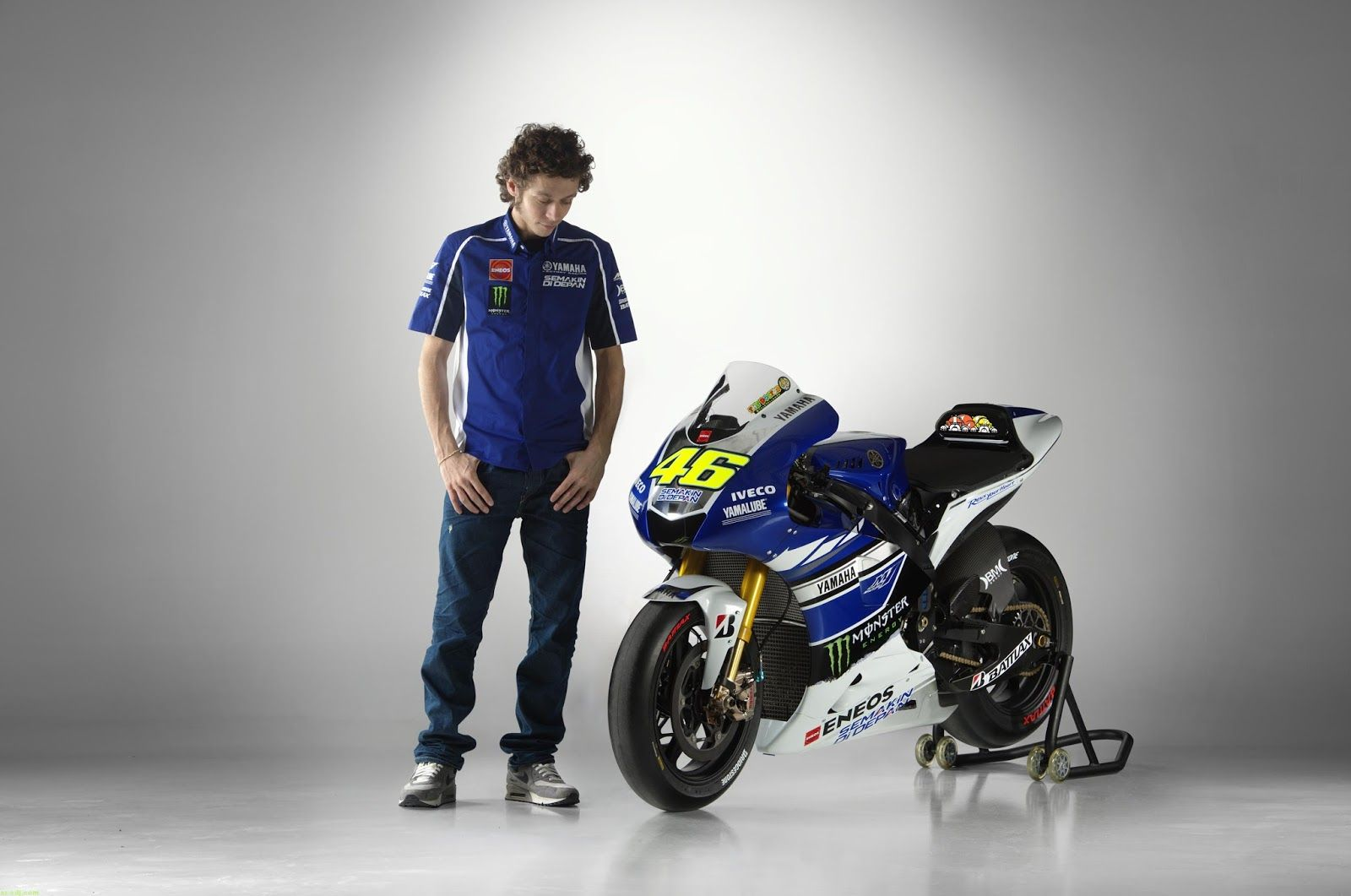 Wallpaper valentino rossi group 19201200 wallpaper valentino rossi wallpaper valentino rossi group 19201200 wallpaper valentino rossi 35 wallpapers adorable voltagebd Choice Image