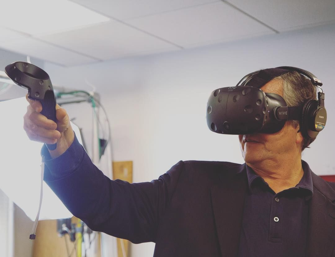 An awesome Virtual Reality pic! @dalepdo showing us how the Vive works! #VR #virtualreality #virtual #vive by makemagazine check us out: http://bit.ly/1KyLetq