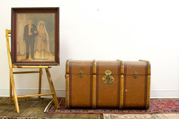 Italy to New York Antique Gazzarrini Trunk par oldnewhouse sur Etsy,