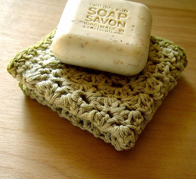 Great Xmas gifts!  Free Washcloth Pattern ~via Ravelry and Lion Brand