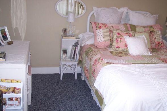 Cottage Bedroom Decorating Ideas | HGTV HGTVRemodels HGTVGardens HGTV's FrontDoor DIYNetwork HGTV ...