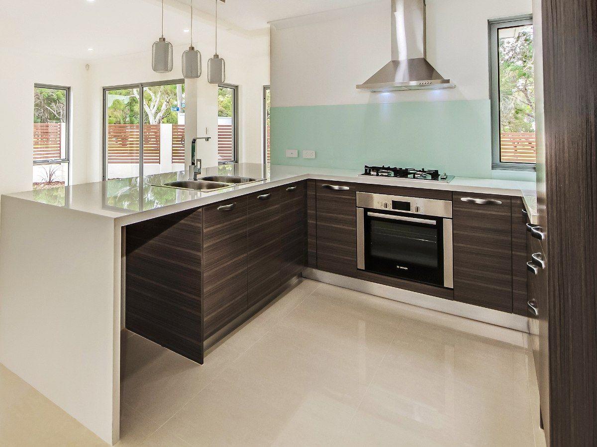 Marmoles para cocinas cocina de granito negro intenso for Granito o silestone para cocinas