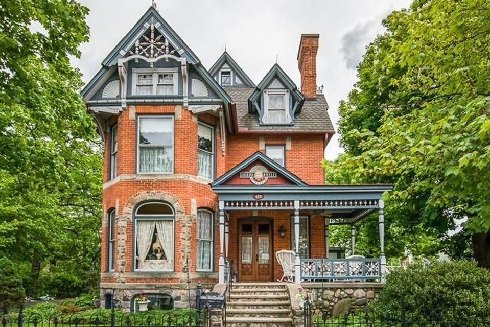 Chelsea Home For Sale Victorian Homes Victorian Style Homes Chelsea House
