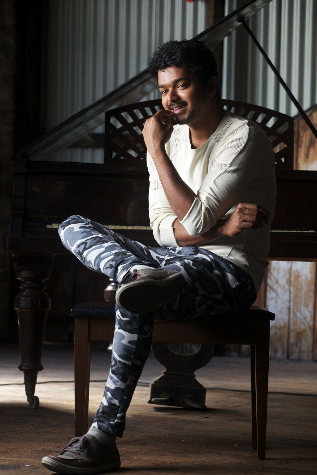 cool tamil cinema news: vijay in thalaiva stills http://www.ocshare