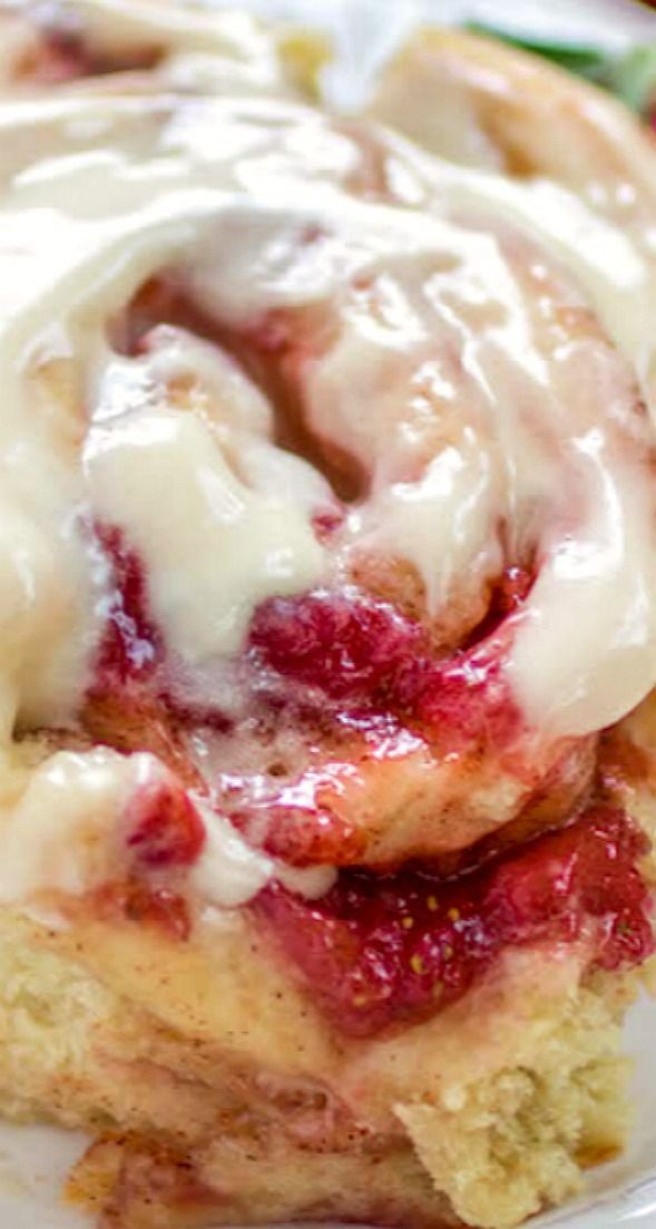 #strawberrycinnamonrolls