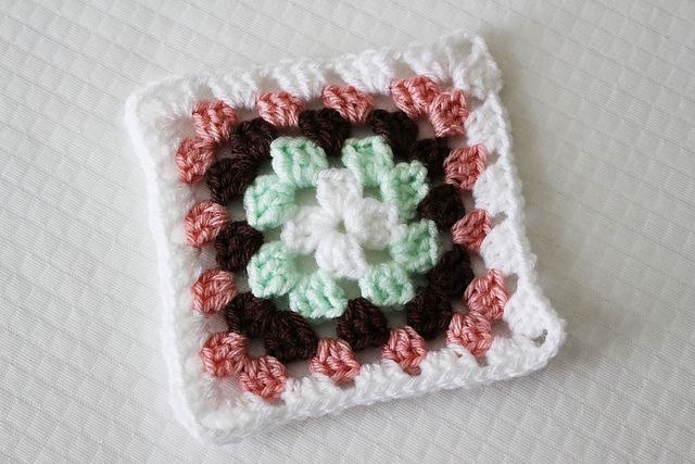 Ravelry Traditional Granny Square Bake Shop Blanket Pattern By